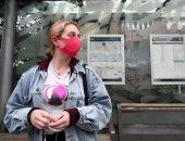 """استطلاع لـ""""نيوزويك"""": 1 من كل 6 ناخبين أمريكيين لا يرتدى الكمامة فى وسائل النقل"""