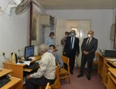 إقبال الطلاب على مكاتب تنسيق جامعة أسيوط فى أول أيام بدء المرحلة الثانية.. فيديو