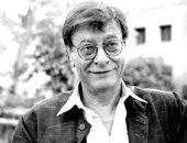 محمود درويش.. تاريخ مع كتابة الشعر وعمليات القلب