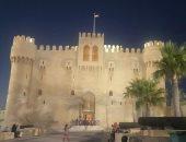 صور.. مد ساعات العمل بقلعة قايتباى بالإسكندرية حتى الثامنة مساء