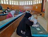 بدء امتحانات الدراسات العليا بجامعة المنيا وسط إجراءات وقائية .. صور