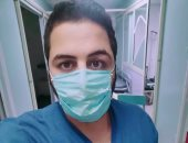 """الجيش الأبيض.. """"أحمد"""" مشرف تمريض بمستشفى بنى سويف الجامعى فى مواجهة كورونا"""
