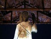 صور.. عرض تمثال محروق للسيدة الأولى الأمريكية ميلانيا ترامب فى سلوفينيا