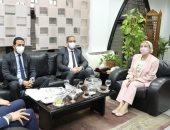 وزيرة البيئة ومحافظ الفيوم يبحثان تنشيط السياحة البيئية بمحميات المحافظة..صور