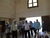 محافظ الوادى الجديد يتفقد إنشاء مسجد الحصرى بالفرافرة بتكلفة 9 مليون جنيه