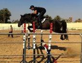 صور.. أحمد السقا يمارس هوايته المفضلة ركوب الخيل.. ويعلق: حياتى