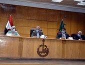 محافظ القليوبية يجتمع برؤساء المراكز ورؤساء لجان تقنين وضع اليد والتصالح