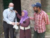 الأجهزة المعنية تتوجه لمنزل سيدة مسنة وجه الرئيس السيسى بعلاجها.. صور