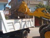صور.. حملات نظافة ورفع تراكمات القمامة وتحسين كفاءة الإنارة بكفر الشيخ
