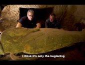 خالد العنانى يخوض مغامرة اكتشاف أثرى جديد فى منطقة سقارة