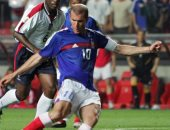 جول مورنينج.. زيدان يقتل إنجلترا في اللحظات الأخيرة من يورو 2004