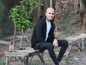 """معاناة """"السيد"""" طالب الشرقية.. ووالده يناشد إنقاذه بعد إصابته باللوكيميا.. صور"""