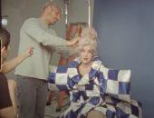 كاتى بيرى تعطى لمحة عن كواليس تصوير غلاف ألبوم 'Smile' فى فيديو 'Teary Eyes'