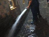 نائب محافظ الغربية يشهد تجربة عمليه للتعامل مع الأمطار بأنفاق طنطا.. صور