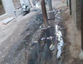 سيبها علينا.. انتشار مياه الصرف والقمامة بمنطقة النجارين فى دمياط