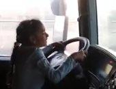 """والد طفلة قيادة النقل الثقيل: """"الفيديو المنتشر من 4 سنوات وهى بتحب تساعدنى"""""""