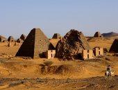 موقع أجنبى يحذر : فيضانات نهر النيل تهدد الأهرامات السودانية