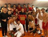 كريستيانو رونالدو يحتفل بتخطي حاجز الـ 100 هدف في مسيرته مع منتخب البرتغال.. صورة