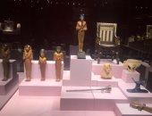 وضع اللمسات النهائية لافتتاح معرض توت عنخ آمون المؤقت بمتحف الغردقة.. صور