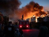 حريق ضخم يلتهم مبنى سكنيا متعدد الطوابق فى مدينة كراسنودار بروسيا.. فيديو