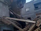 انهيار عقارين بالدقهلية وإصابة 3 من أسرة واحدة بينهم حالة خطيرة.. صور