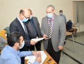 نائب رئيس جامعة أسيوط يتفقد إمتحانات الدراسات العليا ..صور وفيديو
