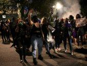 صور.. متظاهرون يشتبكون مع الشرطة فى كولومبيا