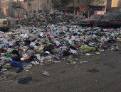 قارئ يشكو تراكم القمامة فى شارع 135 شبرا الخيمة بمحافظة القليوبية