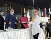 توزيع 3 آلاف شهادة أمان على المرأة المعيلة بالأسمرات.. صور
