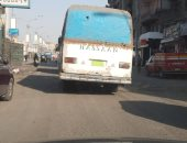 سيارات نقل الركاب بدون لوحات معدنية فى شارع 15 مايو بشبرا الخيمة