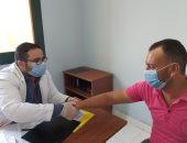 الكشف وتوفير العلاج لـ784 مواطنا ضمن القوافل المجانية ببنى سويف