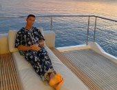 """كريستيانو رونالدو يستمتع بغروب الشمس على البحر """"صورة"""""""