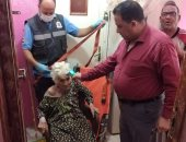 """""""تضامن الغربية"""" تنقذ مسنة 86 عاما وتنقلها لدار رعاية المسنين في طنطا.. صور"""