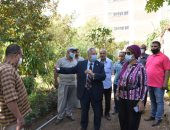 فيديو.. نائب رئيس جامعة أسيوط يتفقد مشتل النباتات ومزارع المحاصيل والفاكهة والزينة