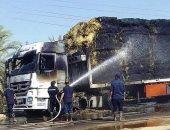 الدفاع المدنى بالوادى الجديد يسيطر على حريق فى شاحنة بطريق موط شرق العوينات