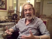 تامر حسنى ناعيا محمود ياسين: نسألكم الدعاء له بالرحمة