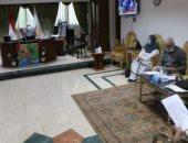 محافظ جنوب سيناء يجتمع بالمجموعة الاقتصادية لمتابعة موقف المشروعات