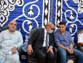 محافظ القليوبية يقدم واجب العزاء لأسرة شهيد الشرطة بمدينة شبين القناطر
