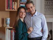"""رئيس وزراء اليونان يغازل زوجته بعيد ميلادها ويصفها بـ""""الحكمة والإيمان والحب"""""""