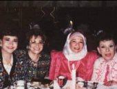 شاهد شادية فى صورة نادرة مع سناء جميل وآمال فهمى وسناء منصور