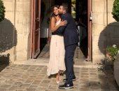 إليسا أول المهنئين لهبة طوجى بعد زواجها فى باريس.. صور