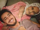 سعد لمجرد برفقة جدته فى صورة عائلية: فرحت قد الدنيا لما شوفتك