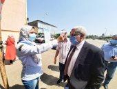نائب رئيس جامعة طنطا يتفقد الكشف الطبى للطلاب الجدد