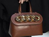 أشكال هندسية.. موضة حقائب النساء في خريف وشتاء 2020.. ألبوم صور
