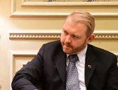 سفير نيوزيلندا بمصر يصف صالة الأهرامات الجديدة بالمثيرة ويهنئ خالد العنانى