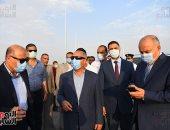 وزير النقل ومحافظ قنا يتابعان معدلات تنفيذ محور الشهيد باسم فكرى على النيل