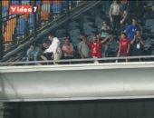 جماهير الأهلى تهنئ لاعبيها بالتتويج بالدورى بعد لقاء المقاصة