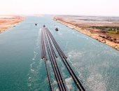 نجاح أول عملية عبور لـ12 ماسورة عملاقة عبر قناة السويس الجديدة.. صور وفيديو