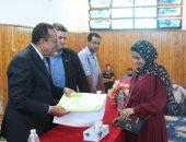 محافظ شمال سيناء يكرم أوائل الشهادات العامة والأزهرية.. صور