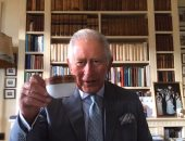 الأمير تشارلز يلقى التحية على مكافحى ومرضى السرطان.. فيديو